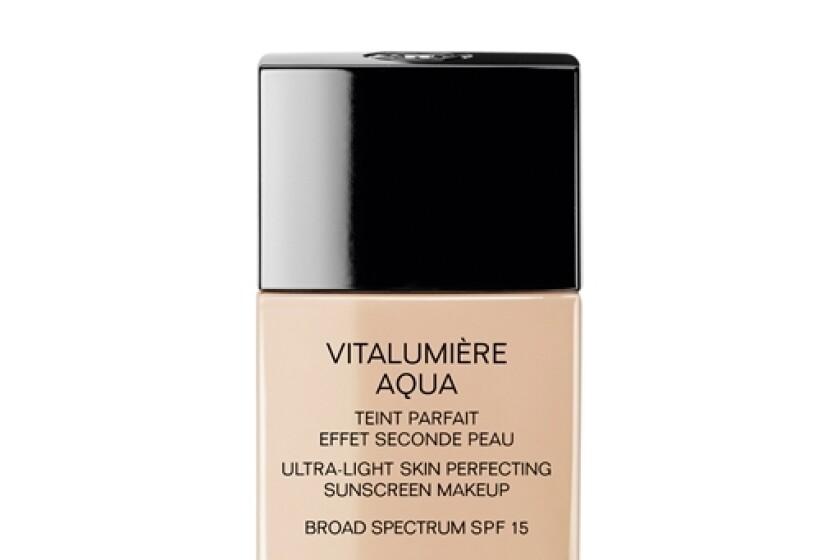 Chanel Vitalumiere Aqua Ultra-Light Skin Perfecting Makeup SPF 15