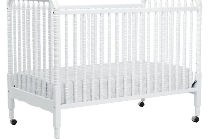 Da Vinci Furniture Jenny Lind White 3-in-1 Convertible Crib