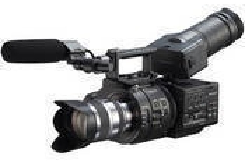 Sony NEX-FS700UK Super 35 Camcorder with 18-200mm Lens