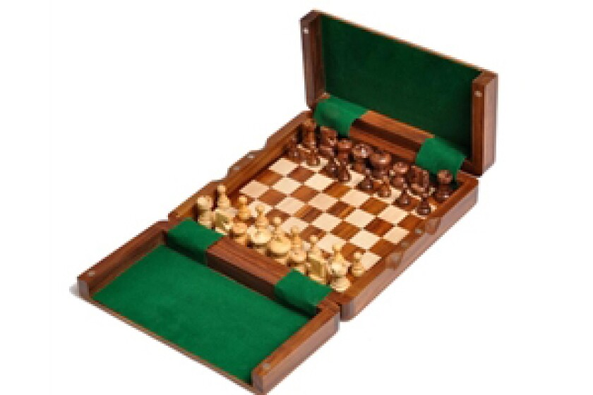 House of Staunton Wooden Magnetic Travel Chess Set