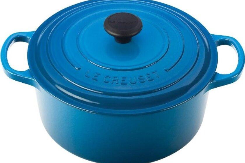 Le Creuset Signature Round Dutch Oven - 7 1/4 quart