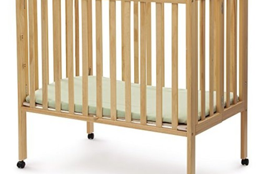 Delta Enterprise Folding Natural Portable Crib