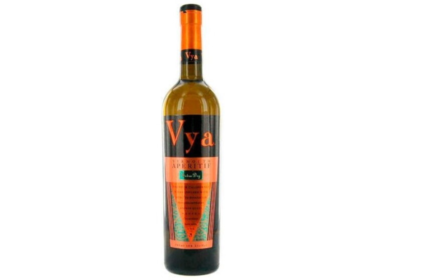 Quady Vya Extra-Dry Vermouth.jpg