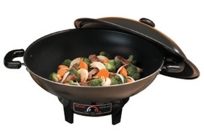 Aroma 7-qt. Electric Wok with Heavy-Duty, Nonstick Body and Lid AEW-305