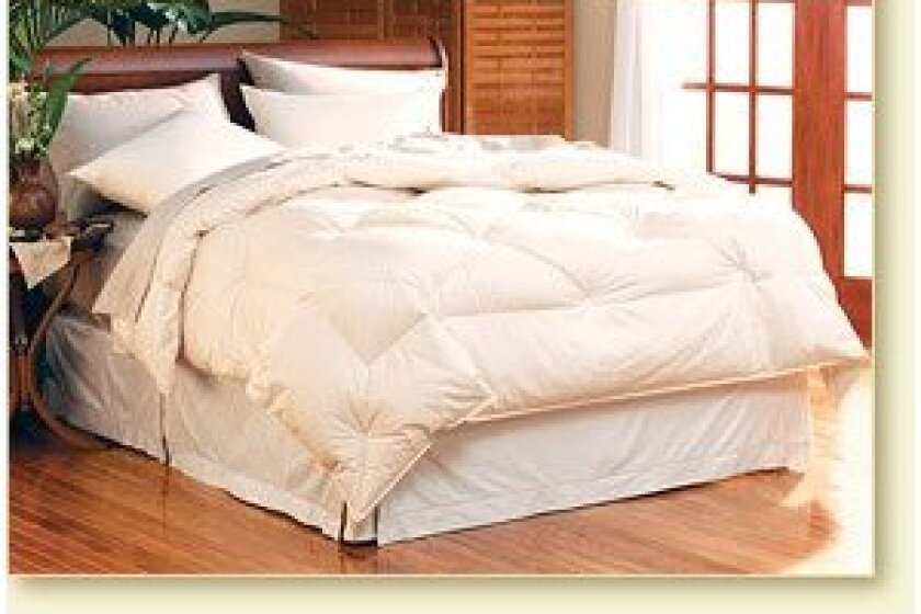 Pacific Coast Classic 230 Thread Count Down Comforter