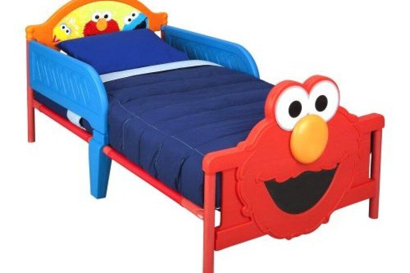Delta Children 3D-Footboard Toddler Bed